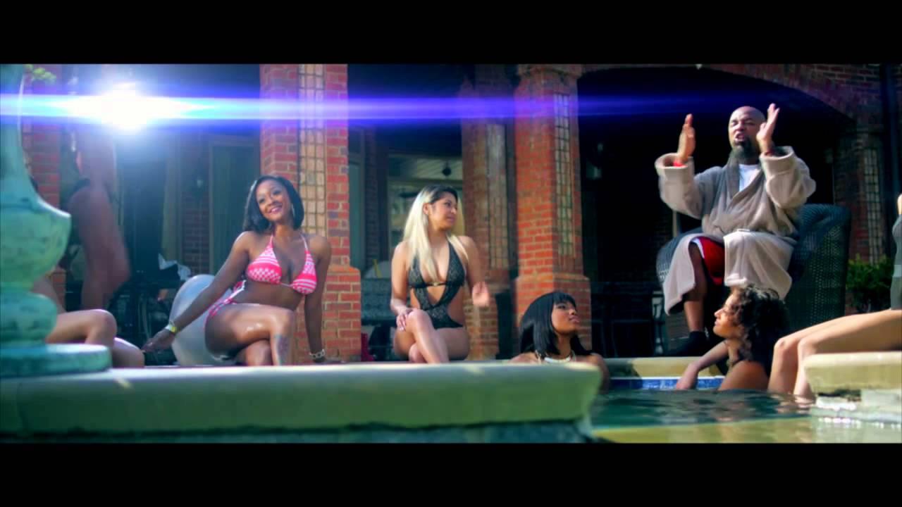 Tech N9ne Ft B.o.B & 2 Chainz – Hood Go Crazy