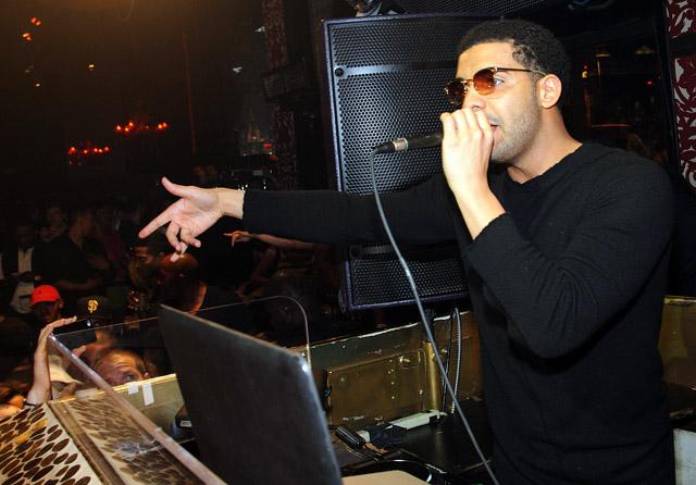 Apple pagará 19 millones a Drake por hacer de Dj