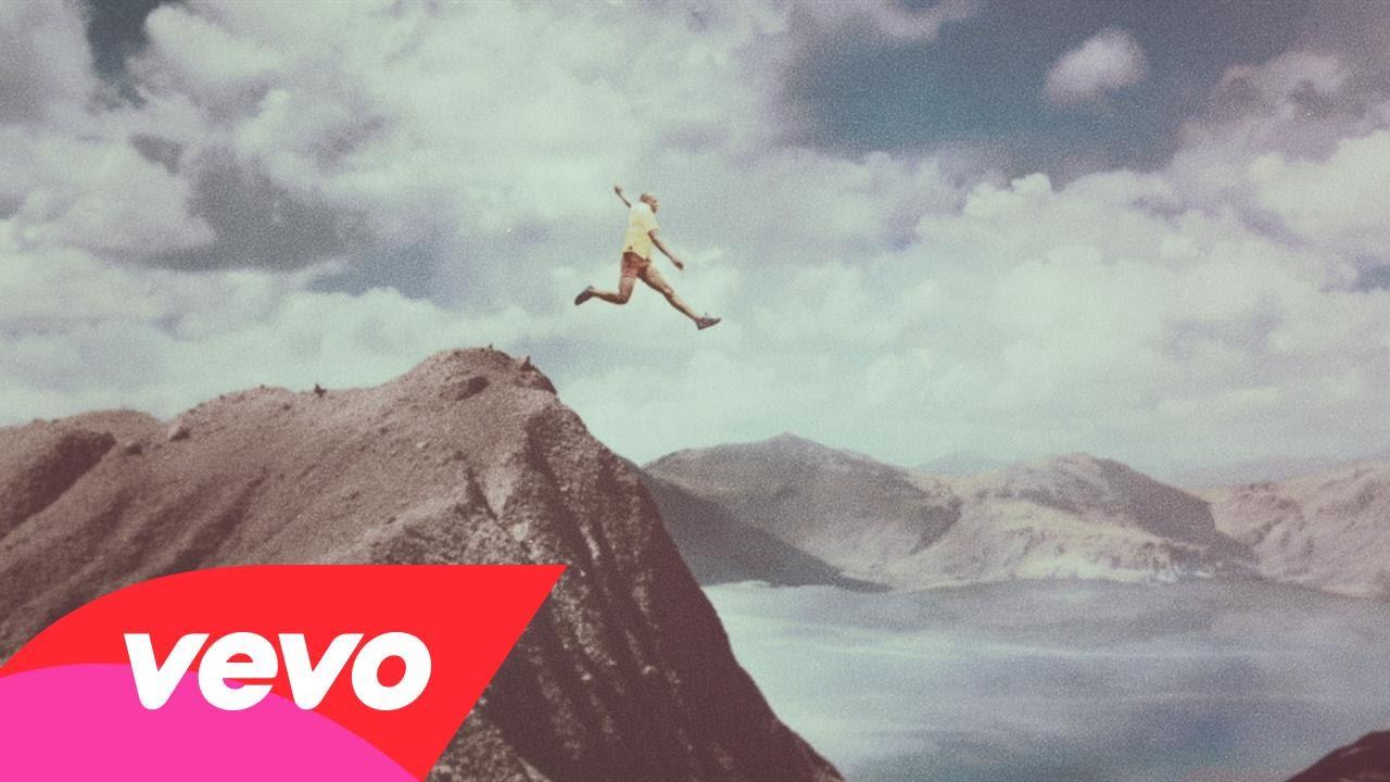 Calle 13 – La Vida (Respira el Momento)