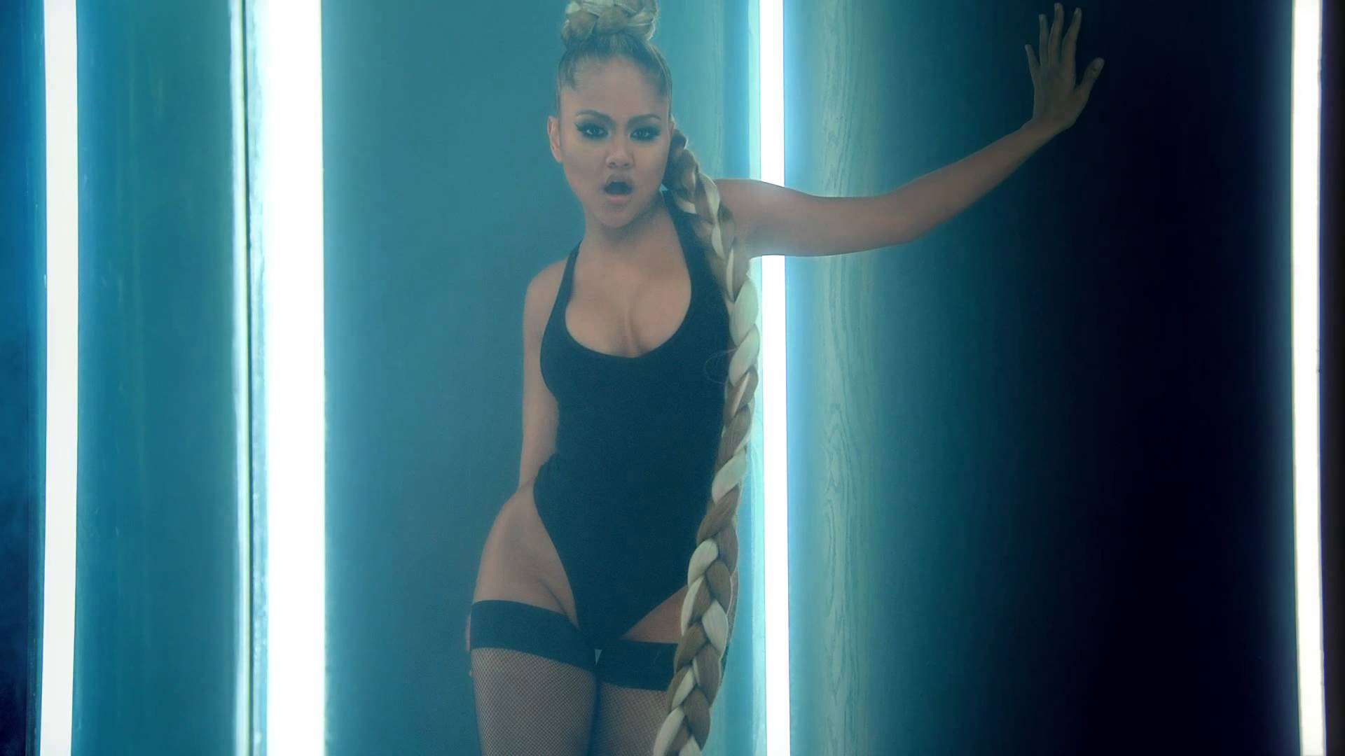 Kat DeLuna Ft Trey Songz – Bum Bum