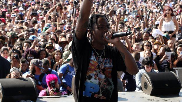 Travi$ Scott incita a la violencia en el Lollapalooza