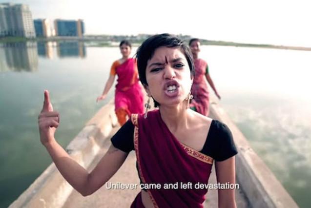 Una rapera India denuncia los abusos de su país al ritmo de Nicki Minaj