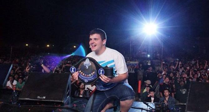 """Un español gana la """"Red Bull Batalla De Los Gallos"""""""