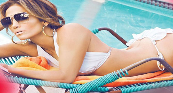 A Jennifer López se le rompe el pantalón en pleno directo