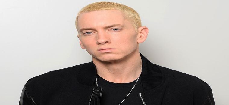 Eminem pasa de vender discos a vender ladrillos.
