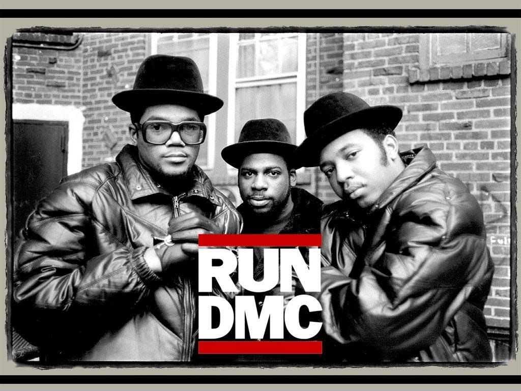 El grupo de rap Run DMC demanda a Amazon por usar su logo sin permiso