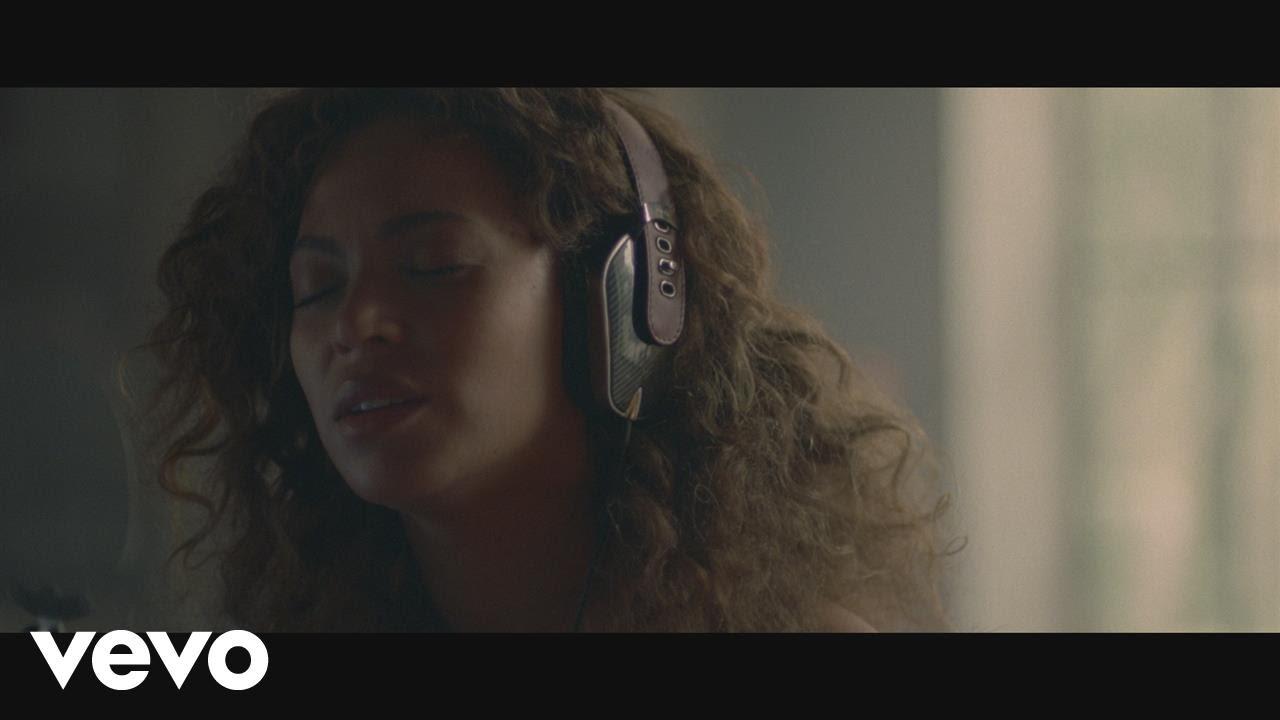 Beyoncé – Sandcastles