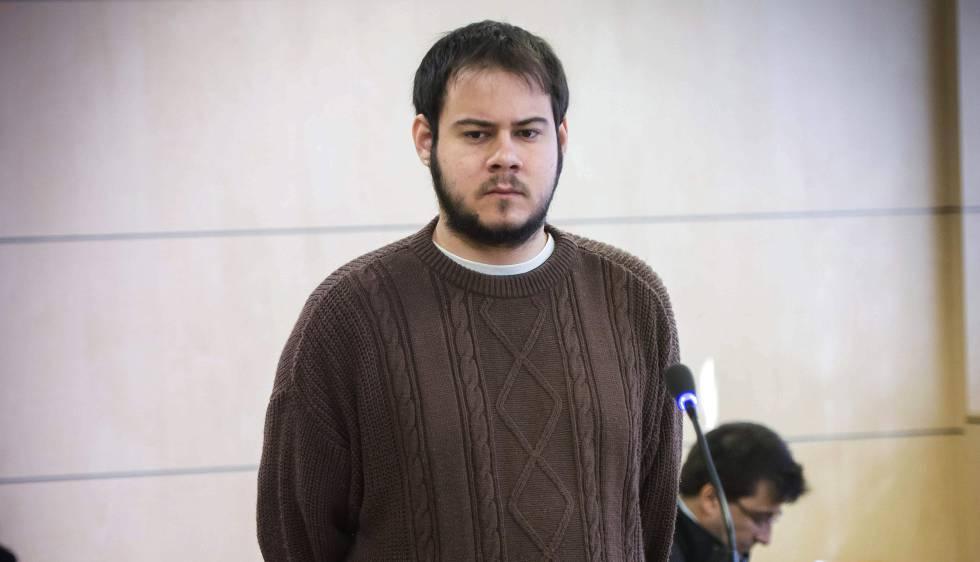 Pablo Hasél: «Puedo pasar 7 años en la cárcel por escribir y rapear»
