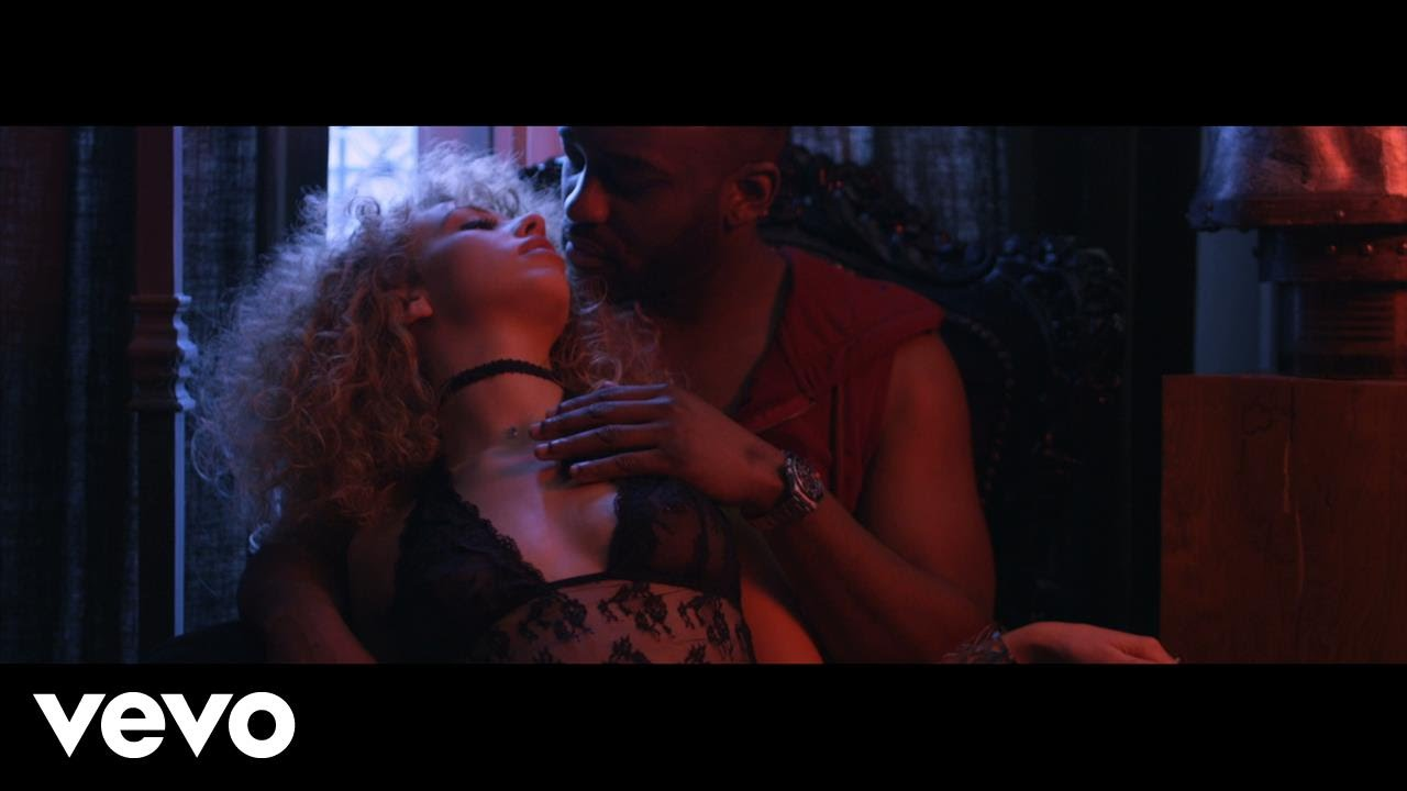 Mac Tyer ft Jok'Air – Elle m'a fait ça