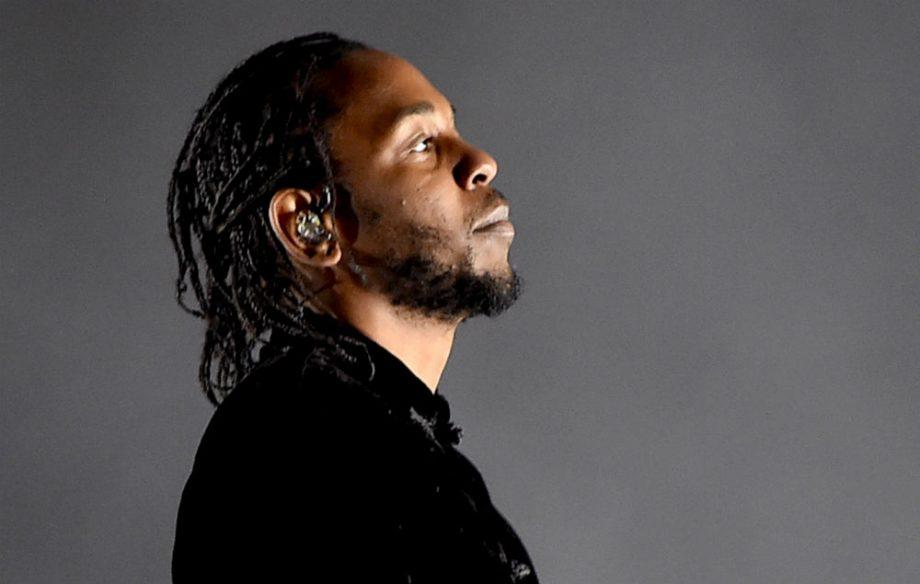 Kendrick Lamar le regala una furgoneta adaptada a una fan minusválida