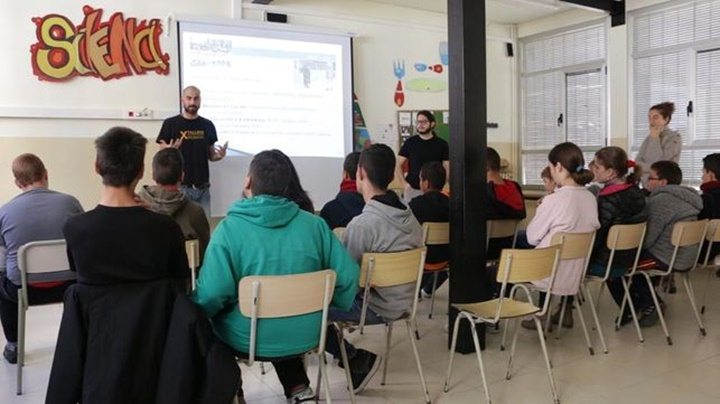 El Ayto. de Huesca gasta 3.000 € para enseñar rap a l@s jóvenes parad@s