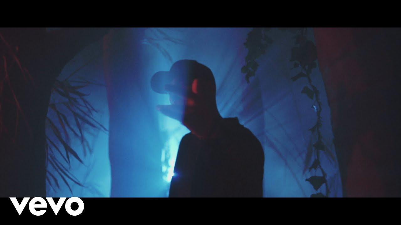 Maska ft Nov – Elle n'en a pas l'air