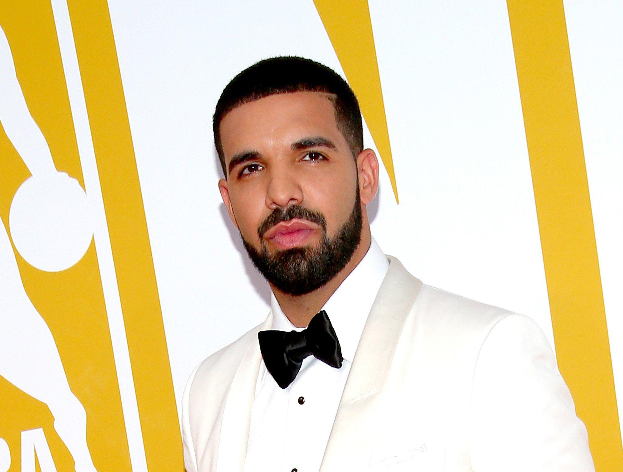 """""""Scorpion"""" de Drake consiguió el disco de platino en su fecha de lanzamiento"""