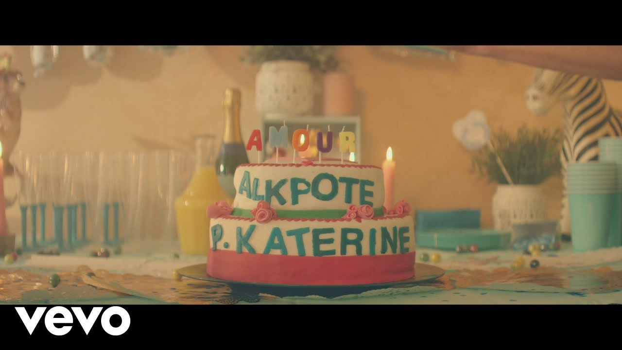 Alkpote ft Philippe  Katerine – Amour