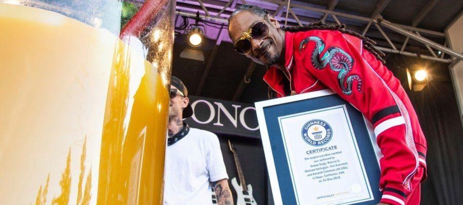 Snoop Dogg logra el record mundial de… El Gin & Juice más grande del mundo!