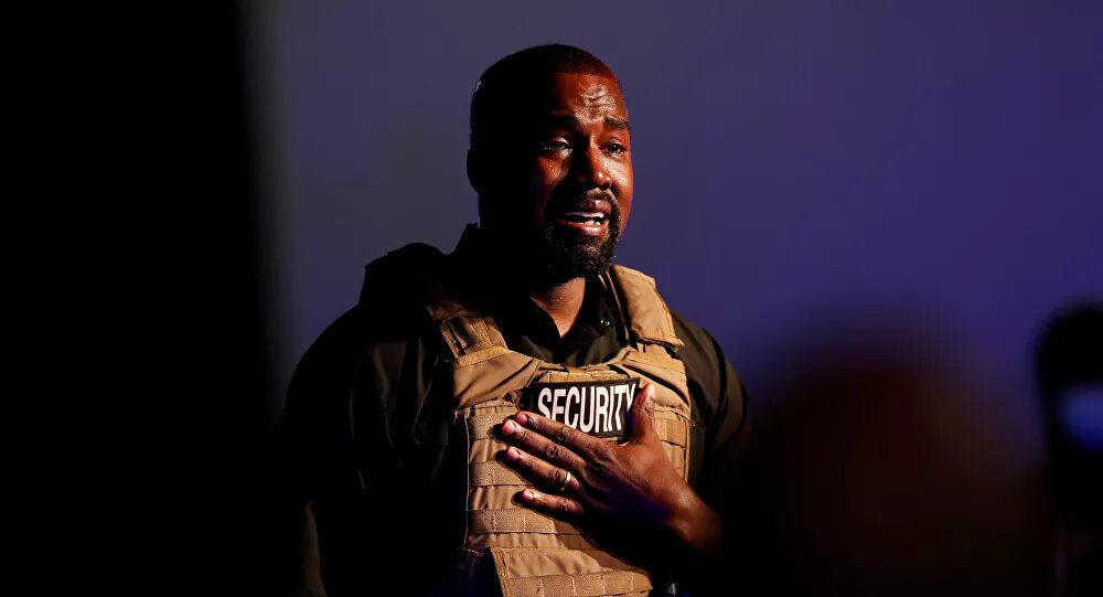 Kanye West llora en su  acto de campaña