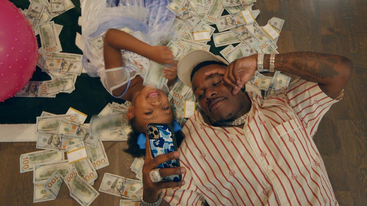 DaBaby muestra su lado más tierno en «More Money More Problems»